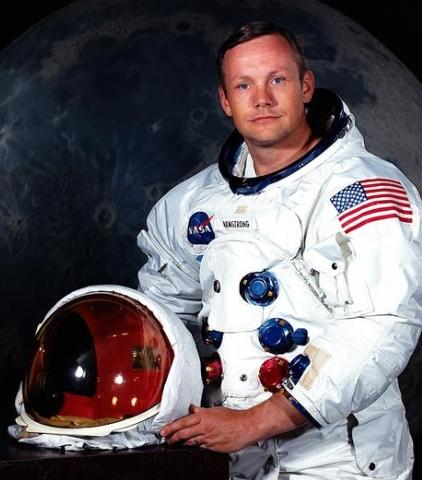 젊은시절의 닐암스트롱은 달에 착륙을 한 거인가? - 뉴스프리존